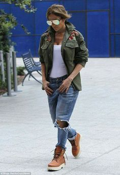 58753c9f21f 7 Best Fashion boo- JLo images