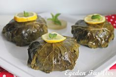 Artichokes on vine leaves- Asma yaprağında enginar Artichokes on vine leaves - Appetizer Salads, Appetizers, Vine Leaves, Cheap Meals, Mediterranean Recipes, Vegetable Recipes, Allrecipes, Diet Recipes, Clean Eating