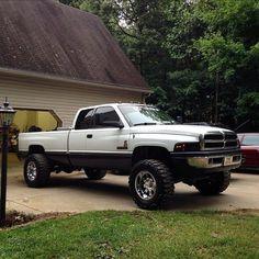 Dodge Ram 1500, Dodge 2500 Cummins, 2nd Gen Cummins, Cummins Diesel Trucks, Dodge Diesel, Dodge Trucks, Lowered Trucks, Lifted Cars, Cool Trucks