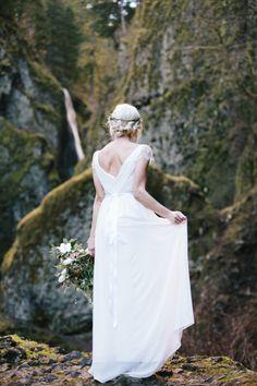 Portland Waterfall Elopement: http://www.stylemepretty.com/wyoming-weddings/2015/07/30/10-beautifully-bohemian-northwest-weddings/