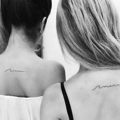 """161 curtidas, 2 comentários - Rodrigo Pacheco (@rodrigotatuagem1) no Instagram: """" Amor tão infinito como o mar Muito obrigado Duda e Grazi pela oportunidade! #tattoo #fineline #mar #praia #surf #onda #fineliner #besttattoos #fineliner #smalltattoo #minitattoo #minimaltattoo #inspiration #inspirationtattoo #ink #inked #inkedup #tattoolife #newtattoo #maeefilha #tatuagemfeminina #beach #waves #sea"""