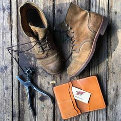"""329 Likes, 7 Comments - P.I.E.R.R.E-Y.V.E.S 🇫🇷 (@pierre_yves_france) on Instagram: """">> Redwing Iron Rangers 8813 🌲 >> Redwing leather wallet 🌲 This is vintage, and I love it 🐂📻…"""""""