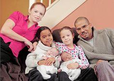 En 2001 lorsque Alison Spooner et Dean Durrant ont appris qu'ils allaient avoir des jumeaux, ils ne pensaient pas à des bébés de couleurs différentes. Or, Hayleigh est née avec le teint et les cheveux de la même couleur que son père et Lauren, sa jumelle, est une rousse au teint blanc tout comme sa maman. En 2008 lorsque Alison est à nouveau enceinte, personne ne s'attendait au même résultat. Et pourtant c'est ce qui est arrivé ! Miya et Lea sont également de couleurs différentes.
