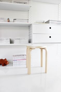 String system / White / Artek E60