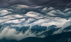 V Tatrách sa objavil jeden z najvzácnejších typov oblakov. Pozrite sa na tú nádheru