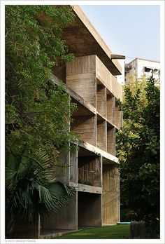 Shodhan house by Arnout Fonck, architect Le Corbusier 1951-56