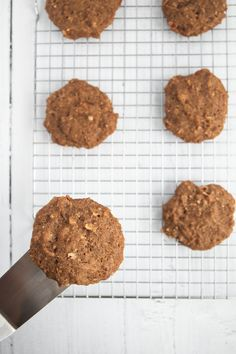 These steel cut oat cookies are the perfect healthy breakfast on the go. If you're a fan of baked oatmeal, you're bound to love these. #vegancookies #breakfastcookies #vegan Healthy Breakfast On The Go, Best Breakfast Recipes, Make Ahead Breakfast, Vegan Desserts, Vegan Recipes, Snack Recipes, Dessert Recipes, Steel Cut Oat Cookies, Easy Vegan Cookies