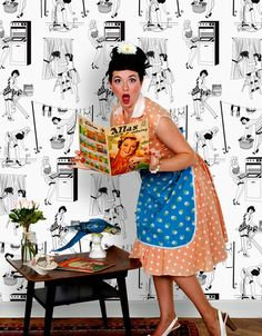 We offer a variety of retro and vintage wallpaper designs. Find retro kitchen and floral wallpaper for sale. Eclectic Wallpaper, Graphic Wallpaper, Wallpaper For Sale, Red Wallpaper, Wallpaper Decor, Wallpaper Samples, Pin Up, Housewife Pictures, 1950s Housewife