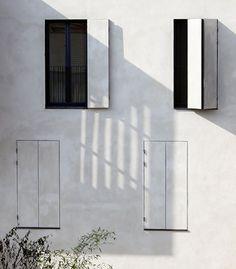 Tetris, Paris 어쩌면 삭막해보일 수 있는 작은 창, 붙어있는 창을 화이트 페인트로 칠한 뒤 밑에 또 다른 창을 그려 삭막함을 오히려 디자인적이고 센스있는 예술로 바꿔놓았다는 점에서 마음에 들었다.