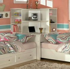 Bedroom corner desk, Are you tired of working or studying on the bed just because there is no place for a desk? Keep your bed for sleeping and get a bedroom corner desk to utilize that dead corner sp Corner Twin Beds, Bed In Corner, Bedroom Corner, Small Room Bedroom, Small Rooms, Two Twin Beds, Corner Unit, Corner Headboard, Corner Hutch