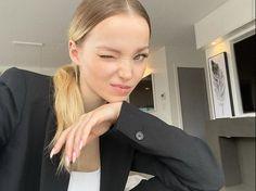 Dove Cameron Style, Chloe, Thranduil, Gorgeous Women, Beautiful, Celebs, Celebrities, Celebrity Crush, American Actress