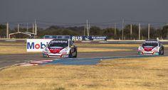 ¡El #TeamPeugeotTotal logró subirse al podio en San Luis! 3er puesto para el León en STC2000