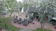 Ravintola Sarastro piha. Ravintola sijaitsee Olavinlinnan kupeessa