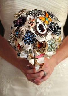 Broche Bouquet! A lovely idea