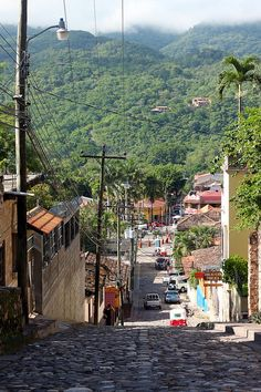 Copan Ruinas photos - the town, the archaeological site and museums || the photo is close to Fuerte Cabañas, where Museo Casa K'inich exhibits a most interesting video about the maya ball game via suchitoto.tours@gmail.com