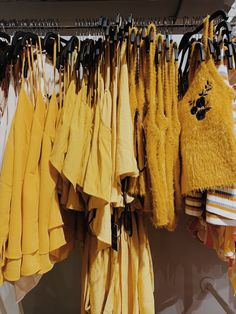 ye l l o w ⭐️💫 - # Aesthetic Colors, Aesthetic Pictures, Aesthetic Clothes, Mellow Yellow, Mustard Yellow, Yellow Theme, Shades Of Yellow, Happy Colors, My Favorite Color