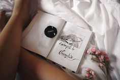 "Páči sa mi to: 5, komentáre: 2 – Mirka Antolíková (@_miritus_) na Instagrame: ""Mornings like this ❤🎶 . . . . #goodmorning #artist #art #bedsheet #lotofwhite #nikon #notebook…"""