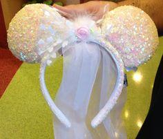 Disney Park Minnie Mouse Ears Wedding Veil NEW