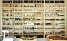 How it is open and easy to see deli shop, deli cafe, bakery cafe, cafe bist Deli Shop, Deli Cafe, Bakery Cafe, Cafe Design, Store Design, Interior Design, Interior Ideas, Tienda Natural, Altea