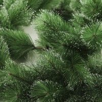 Glitter Tip Evergreen Garland Detail