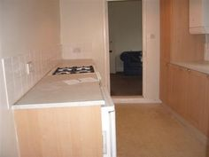 4 double bedrooms, new bathroom, shared living room