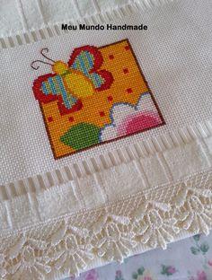 Toalha de mao bordada em Ponto Cruz. #crossstitch #embroidery #pontocruz #handmade