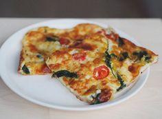 Suolainen pannukakku pannari mozzarella tomaatti pinaatti | Salty pancake (in Finnish)