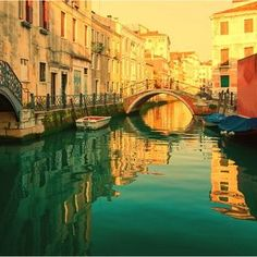Venice I want to ride in a gondola in Venice. Great Vacation Spots, Need A Vacation, Vacation Places, Best Vacations, Vacation Destinations, Beautiful Places To Travel, Romantic Travel, Places Around The World, Oh The Places You'll Go