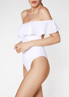 Don't miss Calzedonia's tankinis and one-piece swimsuits for women! Check out our beautifully designed one-piece bathing suits and cute tankini swimwear. Off Shoulder Fashion, Off Shoulder Blouse, Zara, One Piece Suit, Beachwear, Swimwear, Trends, Women Swimsuits, One Piece Swimsuit
