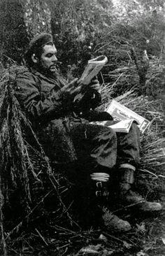 Pin on Wake Che Guevara Photos, Che Quevara, Che Guevara T Shirt, Victor Jara, Pop Art Bilder, Viva Cuba, Ernesto Che Guevara, Rare Historical Photos, Power Trip