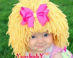 Peluca de muñeca beige col parche inspirado bebé por YumbabY