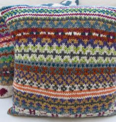 The Woolly Brew: a stash busting cushion using a free pattern from Littletheorem on ravelry