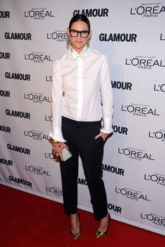 How to wear a white shirt in many ways. Jenna Lyons style