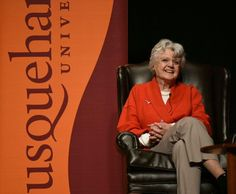 Angela Lansbury wows 1,500 at Susquehanna University
