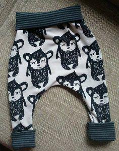 Pants Pattern Free, Free Pattern, Baby Sewing, Socks, Hobby, Mini, Fashion, Christmas Crafts, Moda