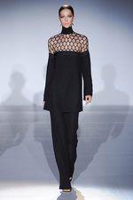 También el negro está presente en la colección de Gucci para el verano 2013 #gucci #mfw #ss2013