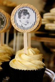 Cupcakes at an Old Hollywood Party #hollywood #partycupcakes
