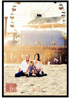 Family Portraits at Santa Monica Beach by Traci Quinn (Bella Vita Photography - Los Angeles)  Please check out our Facebook page too at https://www.facebook.com/BellaVitaPhotographyUSA