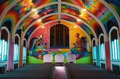 #3 Street Art – Okuda paints a church dedicated to the consumption of cannabis