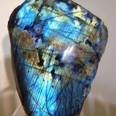 Labradorite-Piece-Beautiful-Gemstone-Rough-Polished-Madagascar