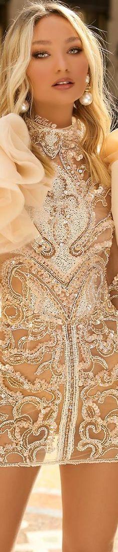 ❈Téa Tosh❈ #ergibardhollari #teatosh Black Tie Affair, Luxury Dress, Cream And Gold, Classy Women, Peach Colors, Beautiful People, Short Dresses, Glamour, Gowns