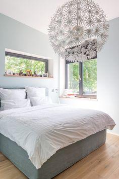 Das Elternschlafzimmer unterm Dach hat 3,10 m Raumhöhe. Außerdem ganz oben: Ankleide, Bad und ein drittes Kinderzimmer<a href=/bauen/schoener-wohnen-wettbewe