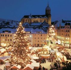 Rothenburg, Germany at Christmas - I am officially going here this Christmas!!!