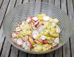 Gestern wurde bei uns mal wieder gegrillt und ich habe mir schon die ganze Woche überlegt, welche Salate ich machen könnte. Schnell habe ...