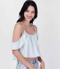 Blusa feminina  Modelo cropped  Com babados  Marca: Blue Steel  Tecido: jeans  Composição: 67% viscose e 33% algodão  Modelo veste tamanho: P         COLEÇÃO VERÃO 2016         Veja outras opções de    blusas femininas.