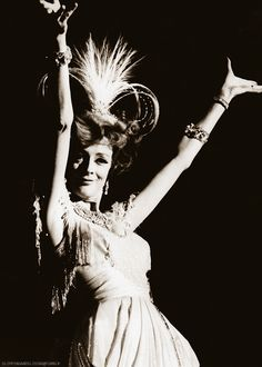 'Oh! What a Lovely War' - Maggie Smith as you rarely see her...film 1969 from the stage musical of 1963