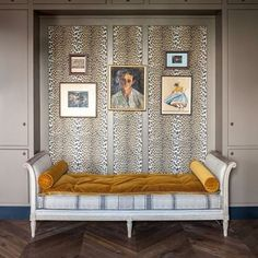 Love the clever use  of 'La Panthere' velvet fabric by Pierre Frey in this recessed seating area. #interiors #decoration #deco #interiordesign #animalprint #leopard #fabrics #velvet #stripes #mustard