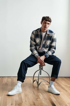 Mode Masculine, Stylish Mens Outfits, Men's Casual Outfits, Trendy Outfits For Guys, Men's Outfits, Outfit Ideas For Guys, Stylish Clothes For Men, Mens Sweater Outfits, Men Clothes