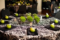 A Wicked Witch-themed Bridal Shower This Halloween! - Creative and Fun Wedding Ideas Made Simple Witch Wedding, Witches Night Out, Pure Romance Party, Green Centerpieces, Damask Wedding, Apple Theme, Bridal Shower Party, Green Wedding, Event Planning