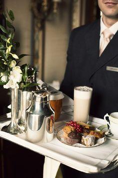 Hotel de Millionairess™ Room service